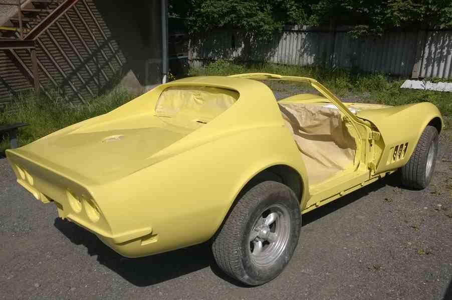 lakování veteránu Corvette 1969