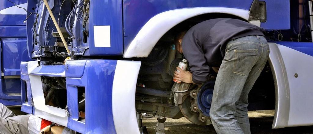 servis nákladích vozidel a autobusů